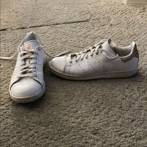 Gold heeled ADIDAS Stan Smith sneakers